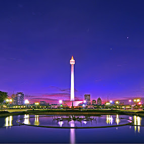 Monumen Nasional by Deddy Hariyanto - Buildings & Architecture Statues & Monuments