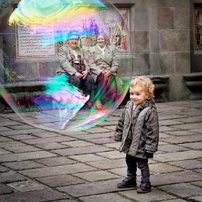 Barcelona Bubble Girl by JJ Gibb - People Street & Candids ( girl, streets, barcelona, people )