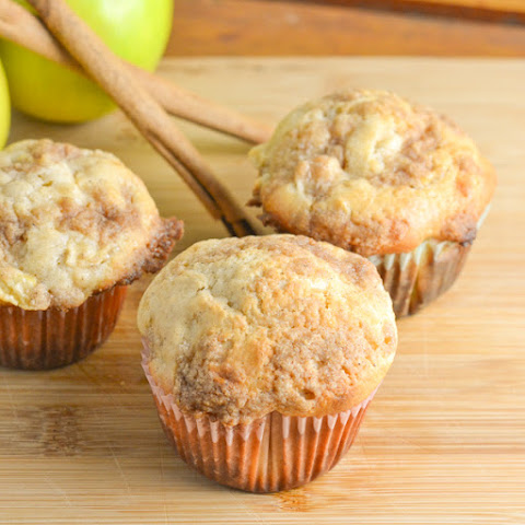 Apple Cinnamon Crumble Muffins