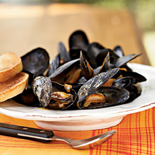 Steamed Mussels in Saffron Broth