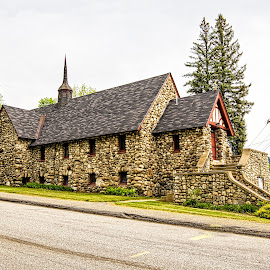 Saint Barnabas by Richard Michael Lingo - Buildings & Architecture Places of Worship ( maine, buildings, church, rumford, worship )