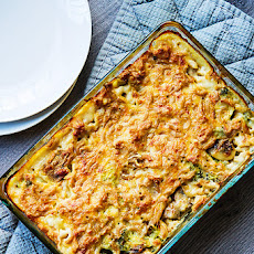 Oven baked Mac and Cheese with broccoli and mushrooms