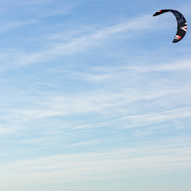 Kite sufer 2 by Olivier Dilmi - Sports & Fitness Watersports ( watersport, canon, surfing, surfer, kite, sport, men, 600d, surf )