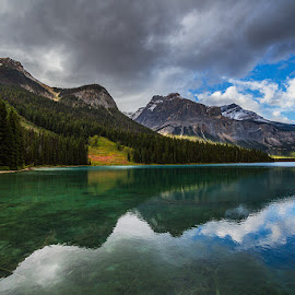 Kanada Nationalparks by Mueller Bernd - Landscapes Mountains & Hills ( clouds, mountains, canada, nature, lakes )