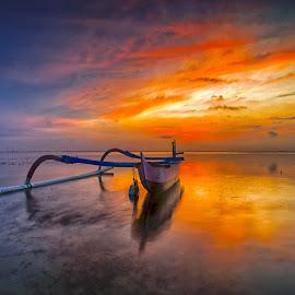 Spider boat by Dida Melana - Transportation Boats