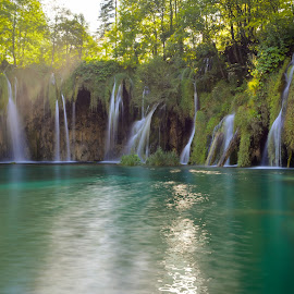 Waterfalls in Plitvice Lakes National Park by Marcin Frąckiewicz - Landscapes Waterscapes