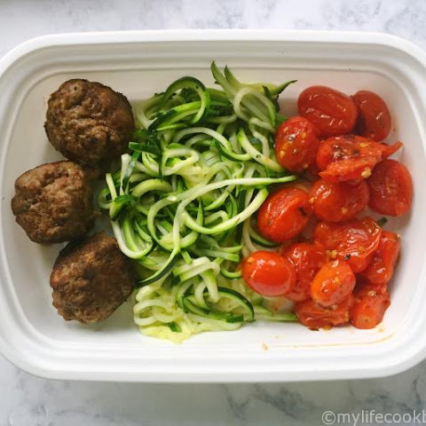 Paleo Meatballs with Zoodles (Freezable Healthy Lunches)