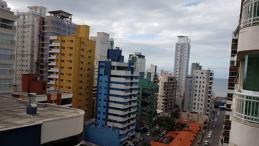 Excelente apartamento com 3 suítes à venda, 203 m² por R$ 890.000 - Meia Praia - Itapema/SC