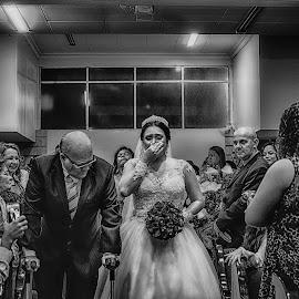 emotions by Tarcisio Soares - Wedding Ceremony ( bride, marcha nupcial, fotografia de casamento, pre wedding, groom, tarcisio soares, book, cerimonia de casamento, casamento, noivos, noiva, entrada casamento, photograph, making of, fotografo de casamento, foto de noiva, wedding, decoração de casamento, detalhes, photography )