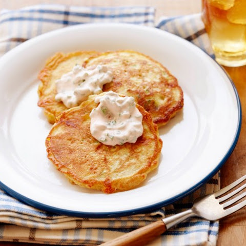 Cheddar and Herb Corn Cake Recept | Yummly