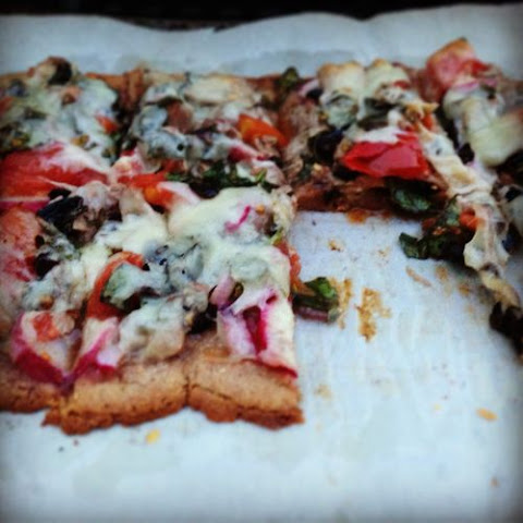 Fresh Tuna, Machengo and Basil Pizza, gluten free and on the grill