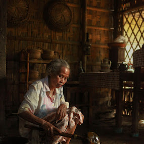 GuLa JaWa MaKeR by Dody Hariawan - People Portraits of Women ( senior citizen )