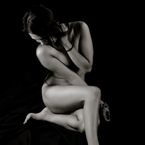 hon 2013 by Romualdo Señeris - Nudes & Boudoir Artistic Nude ( sexy, nude, art, monotone, asian )
