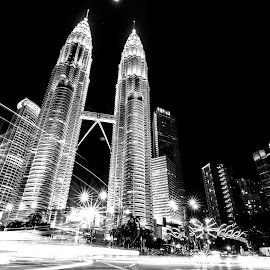 Twin Towers by Serhan Tekin - Buildings & Architecture Office Buildings & Hotels ( exposure, twin, klcc, tower, long )