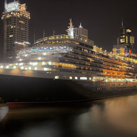 The Queen. by Leen Bilt Van Der - Transportation Boats ( cruiseship, rotterdam, the queen victoria, night shot, city,  )