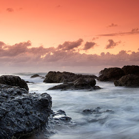 Gradual by Tyhe Reading - Landscapes Waterscapes ( water, clouds, colour, sky, pentax, beach, sunrise, rocks )