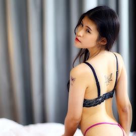 pink by Lai Jung - Nudes & Boudoir Boudoir