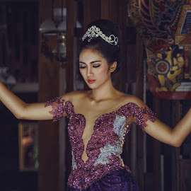 Javanese Bride by Abid Syafni - Wedding Bride