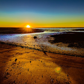 First light by Laurie King - Landscapes Sunsets & Sunrises ( queensland, carmila beach, australia, sunrise )