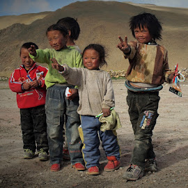 free Tibet 3 by Francisco Cardoso - Babies & Children Children Candids ( children candid, tibetan, children, tibet, china )