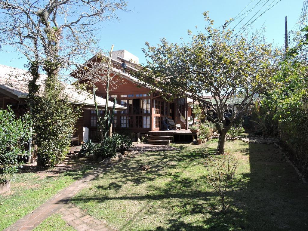 Casaa Charmosa e bem Localizada no Rio Tavares