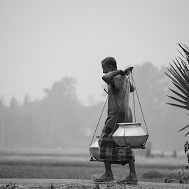 Journey by Shafiqul Shiplu - People Street & Candids ( working people, outdoor, street, journey, people, street photography )