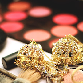 Preparing for the makeup by Anurag Bhateja - Wedding Details ( indian jewelry, colors, makeup, india, jewelry, gold, indian bride )