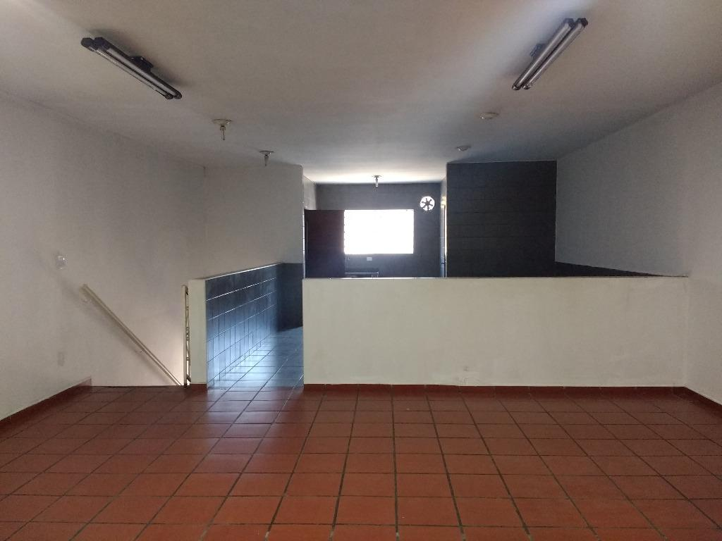 Salão comercial para locação no piso superior, Centro, Bragança Paulista.