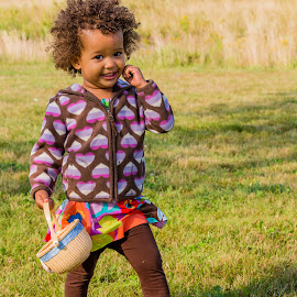 Flower Girl by Carl Albro - Babies & Children Children Candids ( child, fashion, girl )