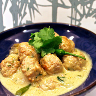 Green curry Chicken meatball