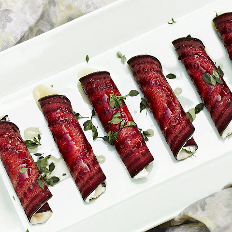Beet and Goat Cheese Log with Honey