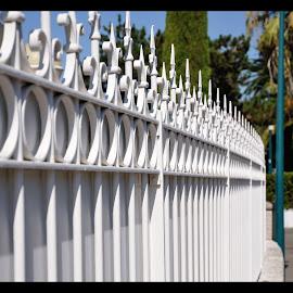 Fence by Victor Eliu - Buildings & Architecture Other Exteriors ( fence, cap ferrat, st. jean, france, cote d`azur, repetition )