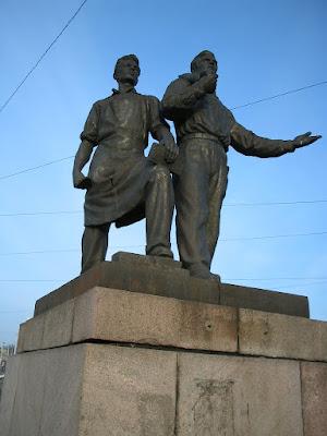 Скульптуры на Зелёном мосту в Вильнюсе