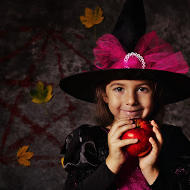 Bewitched by Nicu Buculei - Babies & Children Child Portraits ( girl, apple, witch, children, kids, portrait )