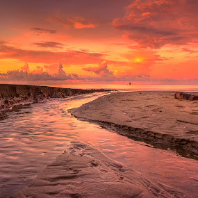 Batu Pinagut Beach by Firmansyah Goma - Landscapes Beaches ( north bolaang mongondow, sunset, spotersindonesia, wonderfulindonesia, pesonaindonesia, beach )