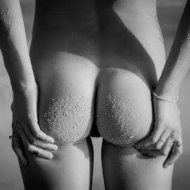 beach bum by Daniel Jamieson - Nudes & Boudoir Artistic Nude ( sand, nude, girl, bum, beach )