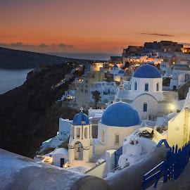 Oia Red hour by Jiri Cetkovsky - City,  Street & Park  Night ( view, greece, city, oia, nichht, santorini, lights )