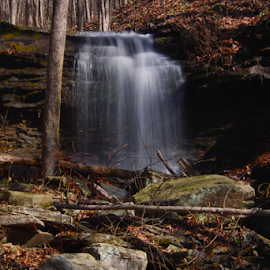 No Name Falls. by William Hamm - Typography Captioned Photos