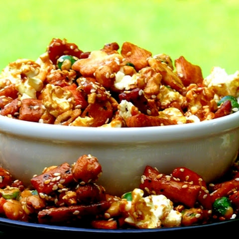 Sweet & Salty Popcorn Mix