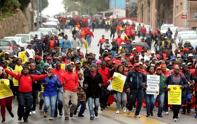 South African Municipal Workers Union members. Picture: THE HERALD/MIKE HOLMES
