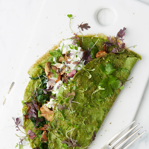 Green Pancakes stuffed with mushrooms & kale