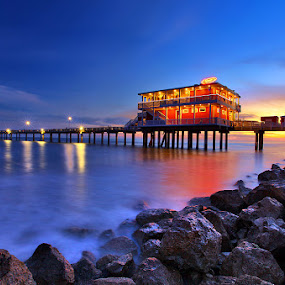 suspended building by Al Juniarsam  - Buildings & Architecture Other Exteriors ( fishing pier, galveston )