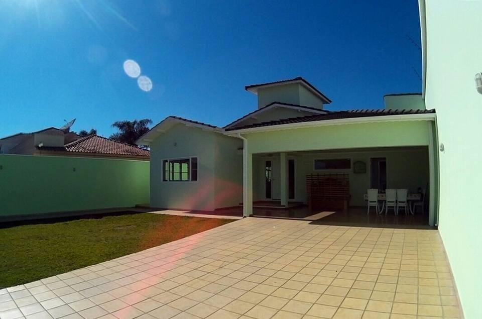 Casa Térrea com 3 dormitórios à venda, 220 m² por R$ 1.200.000 - Fátima II - Pouso Alegre/MG