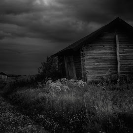 by Micke Lindblå - Black & White Buildings & Architecture