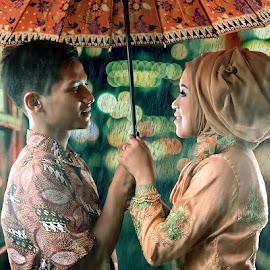 Rain by Mursyid Alfa - People Couples