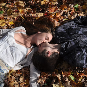 Fall Kiss by Sam Reed - People Couples