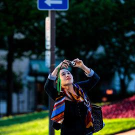 ... by Daniel Gaudin - City,  Street & Park  Street Scenes ( exterior, woman, photographer, portrait, street photography )