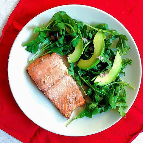 Easy Oven Baked Salmon With Arugula Avocado Salad