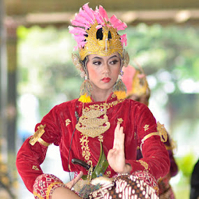 Traditional Dancer by Agus Mulyawan - People Musicians & Entertainers