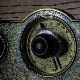 Radio by Altair Junior - Artistic Objects Antiques